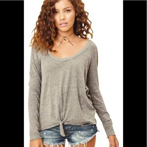 Chaser long sleeve front tie top size S